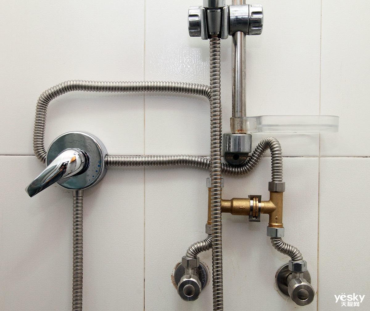 网燃气热水器zero针对这一痛点给出了一个简便的解决方案,安装单向阀图片