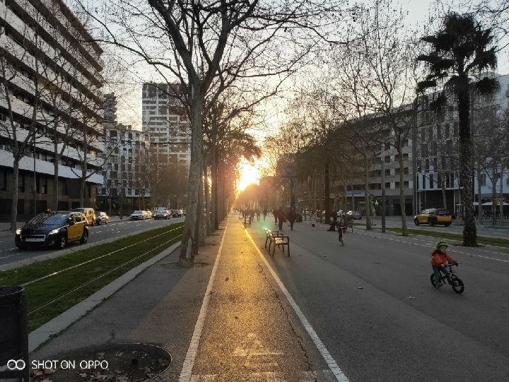 """行摄巴塞罗那:在街头巷尾,读到""""尊重""""这两个字"""