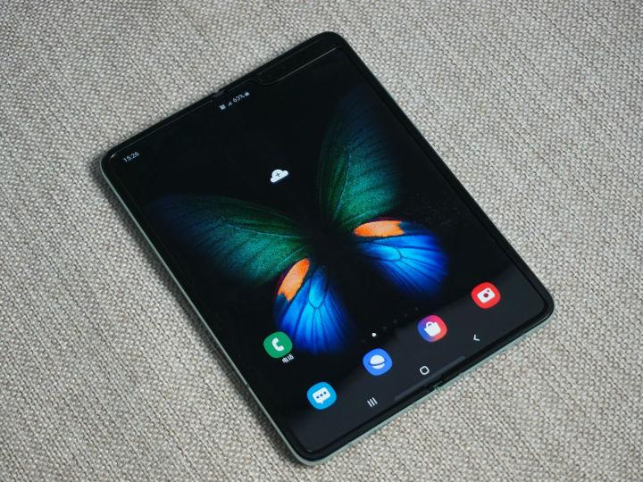 三星就屏幕问题展开调查 或因撕掉屏幕?;つ? /> </a></dt> <dd> <h3><a >三星就屏幕问题展开调查 或因撕掉屏幕?;つ?/a></h3> <p>距2月份三星Galaxy Fold手机发布已经有一段时间,目前三星已经在官网开启了预订,并且计划在4月26日正式开售。但就在最近,有部分国外用户反映Galaxy Fold出现了不同程度的损坏或故障的情…</p> <div class=