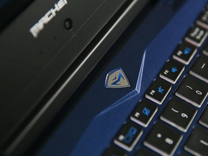 炫光微边线条硬朗的蓝星战舰 机械师F117-V猎鹰图赏