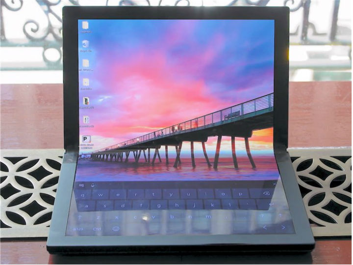 这E天:联想发布全球首款折叠屏电脑;微信朋友圈晒打卡违规