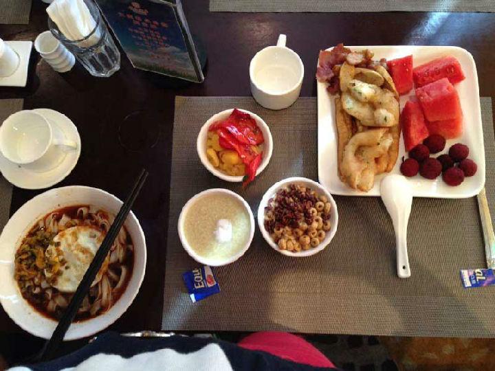 """白领偏爱热餐,便利蜂成""""城市厨房"""""""