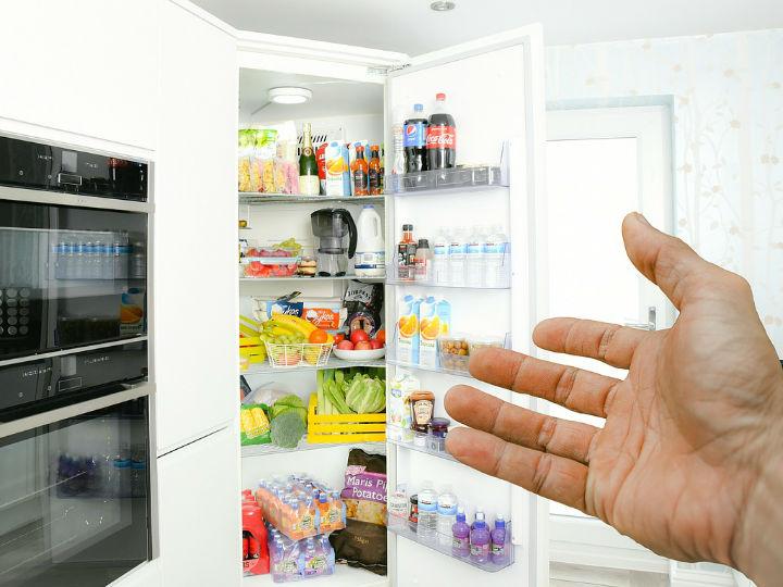 既要降温快保鲜好又要不结冰,冰箱该选直冷好还是风冷好?