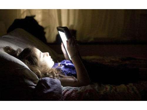 别再用你手中的手机看电子书了,这台手机才适合你