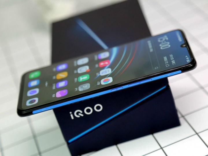 全球首款骁龙855 Plus 5G旗舰手机官宣:iQOO Pro 8月22日发布