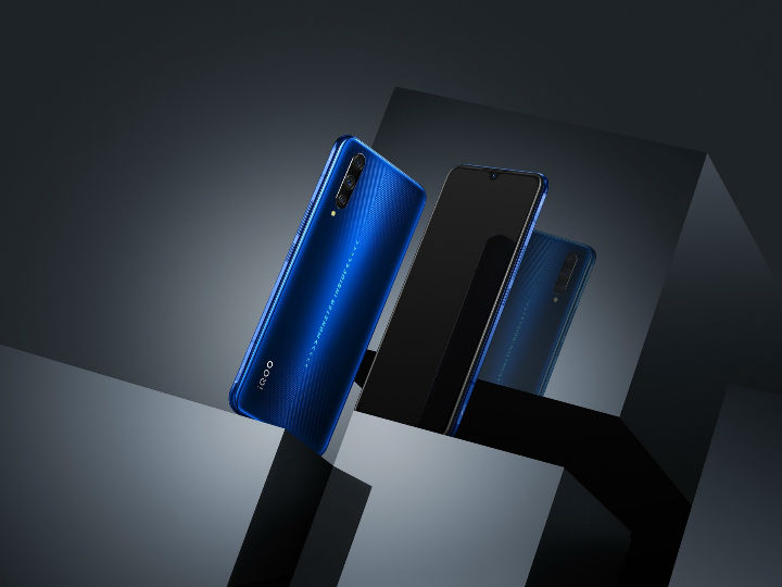iQOO Pro标配4500mAh大电池满足日常需求 现各渠道备货充足