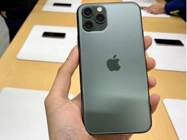 "iPhone 11系列相机被曝严重""鬼影门"" 或硬件缺陷导致"