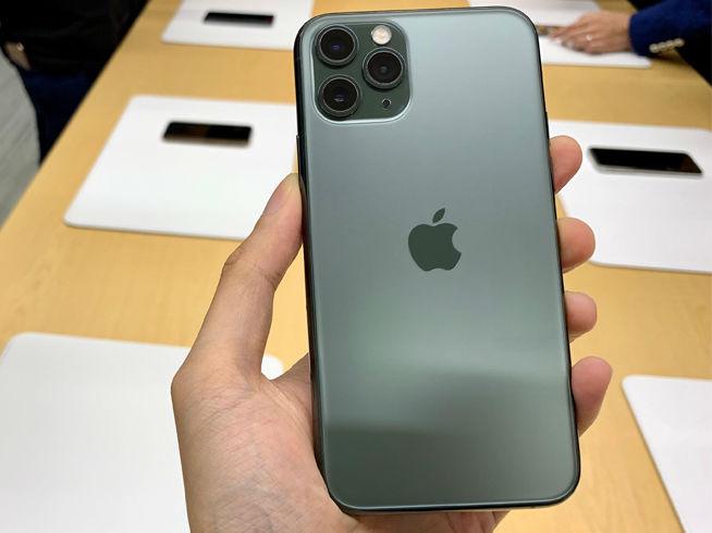"""苹果又现""""信号门"""": 使用双卡用户频遇弹窗,信号跳格不稳定"""
