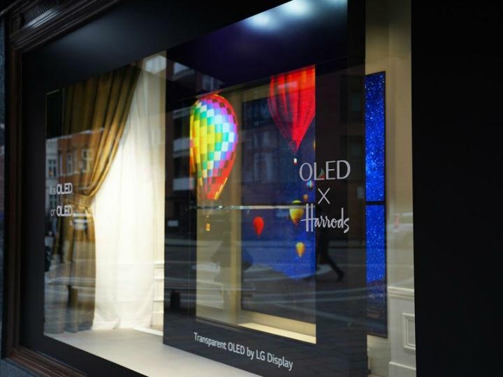 未来电视长啥样?LG伦敦展示透明OLED电视