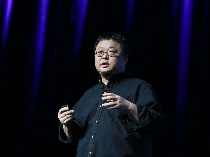罗永浩将于12月初召开新品发布会 不是手机也不是电子烟