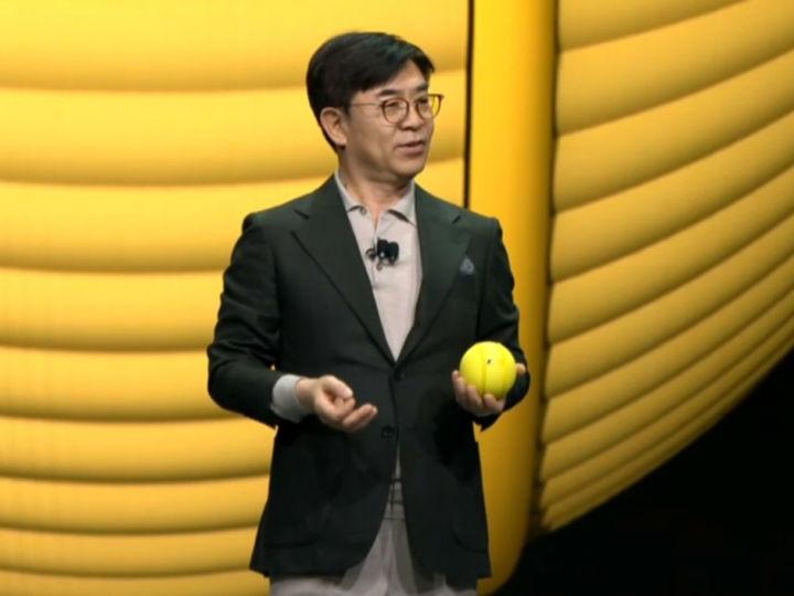 球状机器人你见过吗?三星发布了一款基于AI技术的小玩意