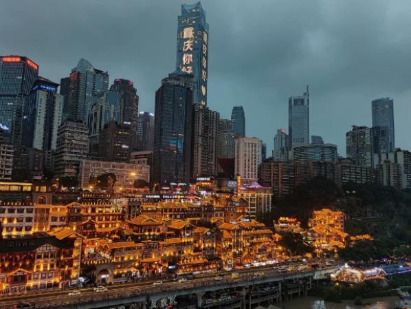 行摄:重庆华灯映江水 在最美的时节一起去看看
