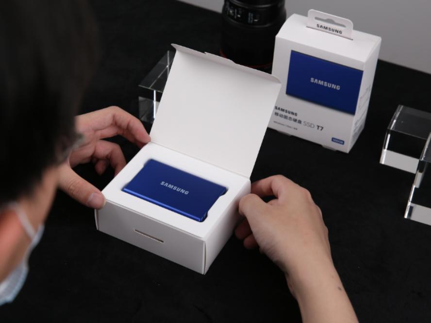 熟悉的配方也有新意 三星移动固态硬盘T7开箱