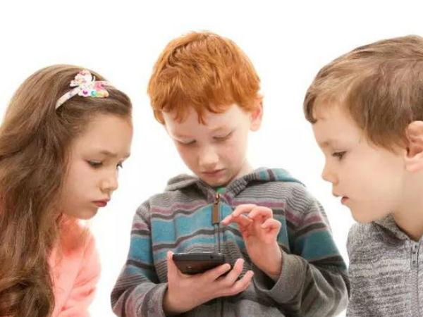手机不是洪水猛兽 家长不应禁止孩子用手机