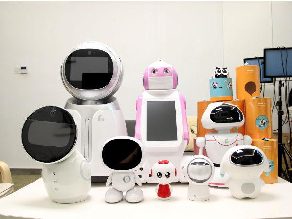 生活遇上智能伴侣 陪伴机器人天极年度横评