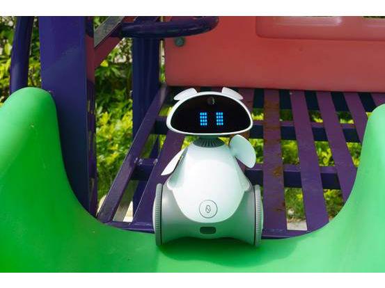 首款可移动智能AI早教机器人 萝小逗评测