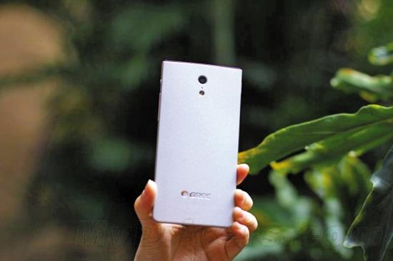 1600元格力手机要卖5000万台:先从自己人下手